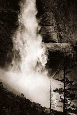 Upper_Yosemite_Falls.jpg